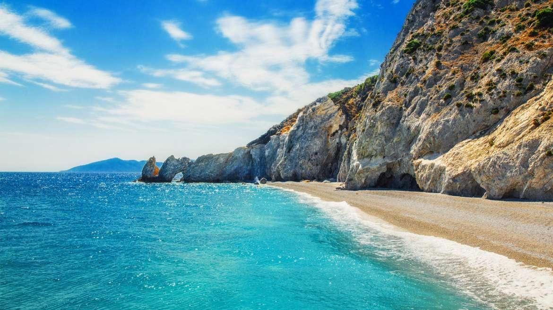 Assolutamente da visitare la spiaggia di Lalaria a Skiathos.